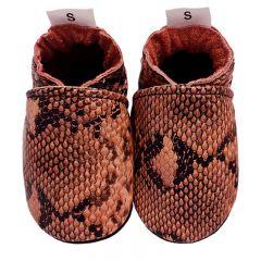 Babyslofjes cobra print in mooie terracotta kleur