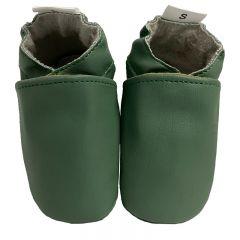 Diervriendelijke vegan babyslofjes effen groen