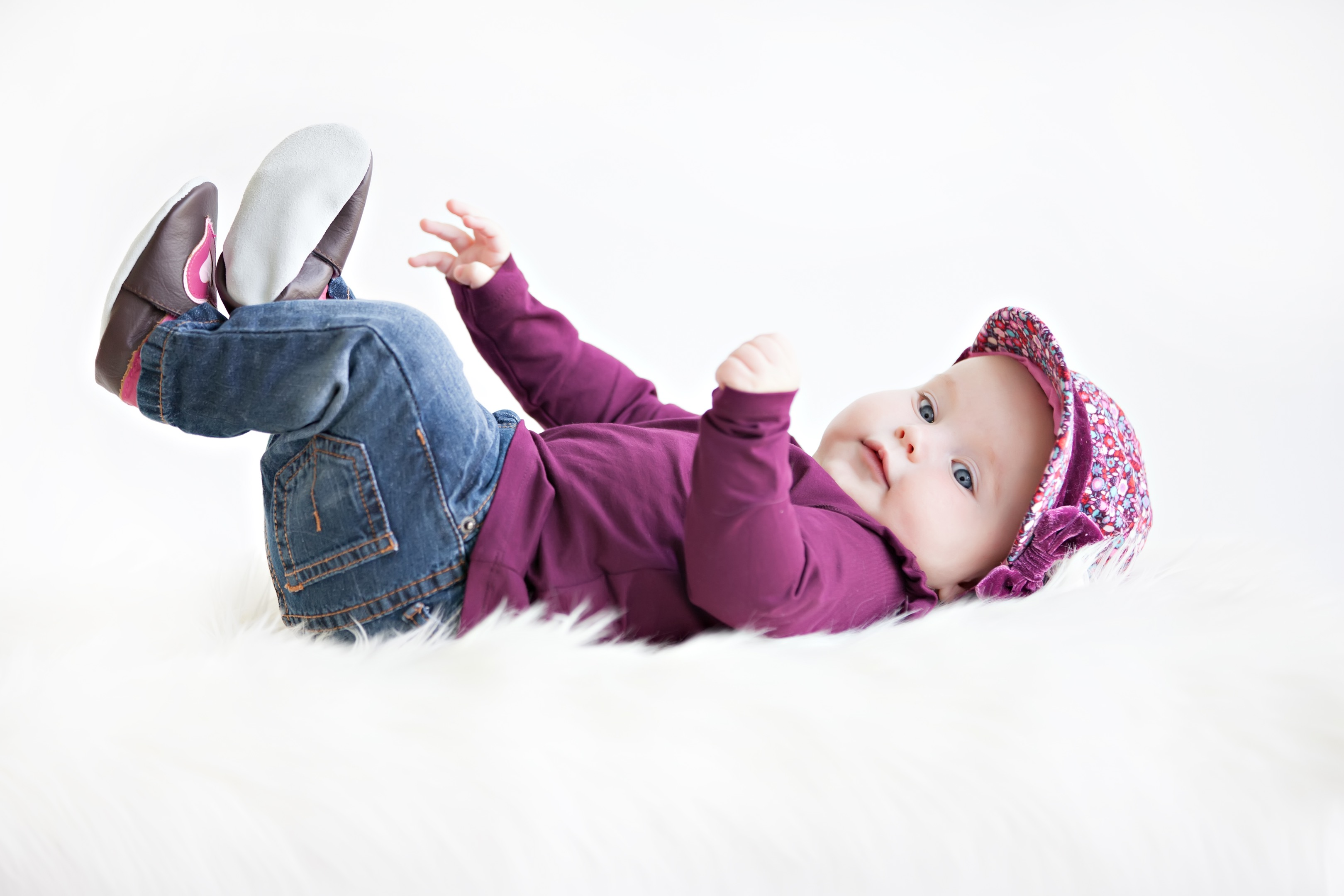 BabySteps model Linde met sweat hearts slofjes